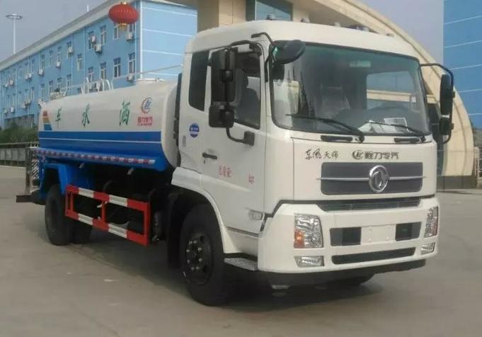 天锦12吨洒水车