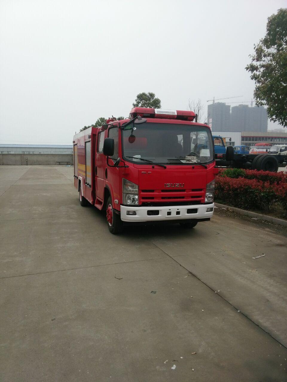 五十铃700P水罐消防车 国四 (3-4吨)