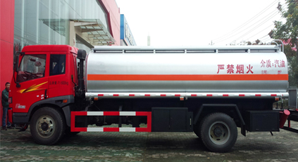 解放油罐车